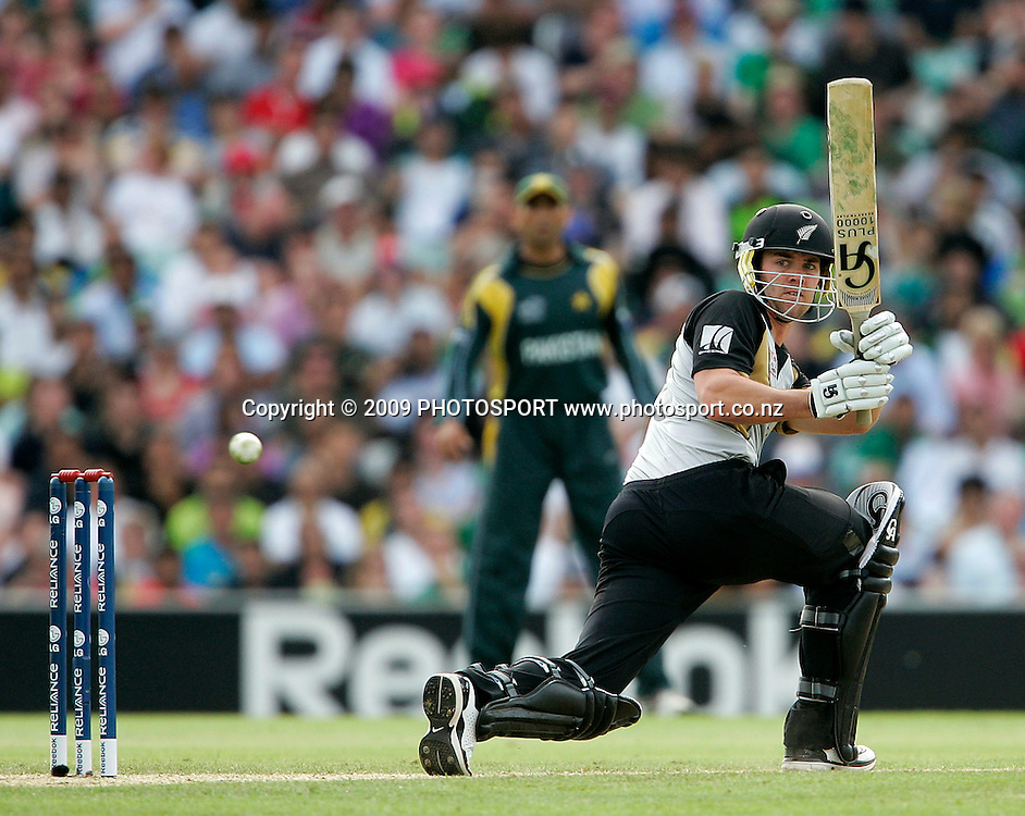 New Zealand's James Franklin plays a sweep shot during the ICC World Twenty20 Cup match between the New Zealand Black Caps and Pakistan at the Oval, London, England, 13 June, 2009. Photo: PHOTOSPORT
