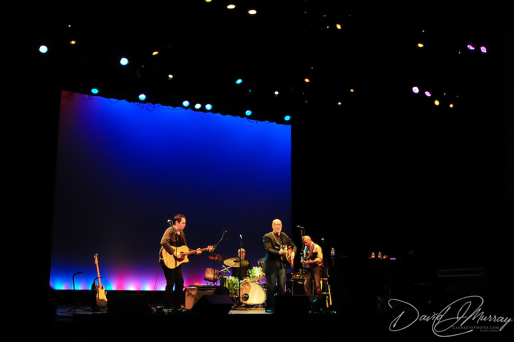 Marc Cohn Performs at The Music Hall, Portsmouth, NH with Shane Fontayne (L), Drummer (?), and Jon Ossman, Bass
