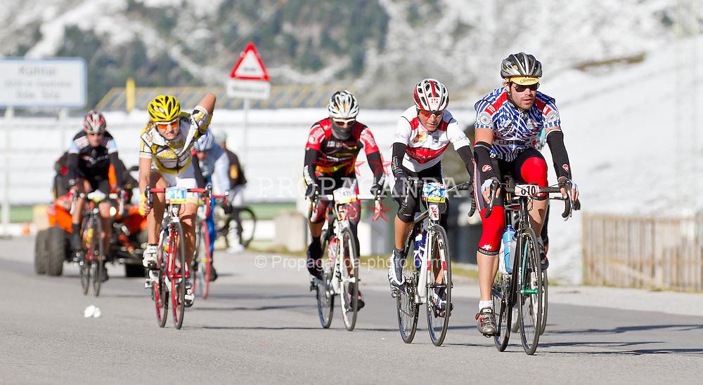 28.08.2011, AUT, Oetztaler Radmarathon 2011, im Bild Feature Teilnehmer, during the Oetztaler Radmarathon 2011, EXPA Pictures © 2011, PhotoCredit: EXPA/ P.Rinderer