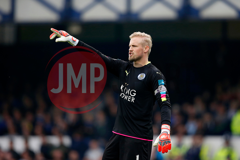 Kasper Schmeichel of Leicester City shouts - Mandatory by-line: Matt McNulty/JMP - 09/04/2017 - FOOTBALL - Goodison Park - Liverpool, England - Everton v Leicester City - Premier League