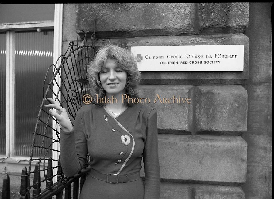 1980-02-29.29th February 1980.29-02-1980.02-29-80..Nurses at Irish Red Cross Society/Cumann Croise Deirge hÉireann in advance of going to Kampuchea..Photographed at Irish Red Cross Society, Dublin:..Anne Hickey, Thurles, Co Tipperary.