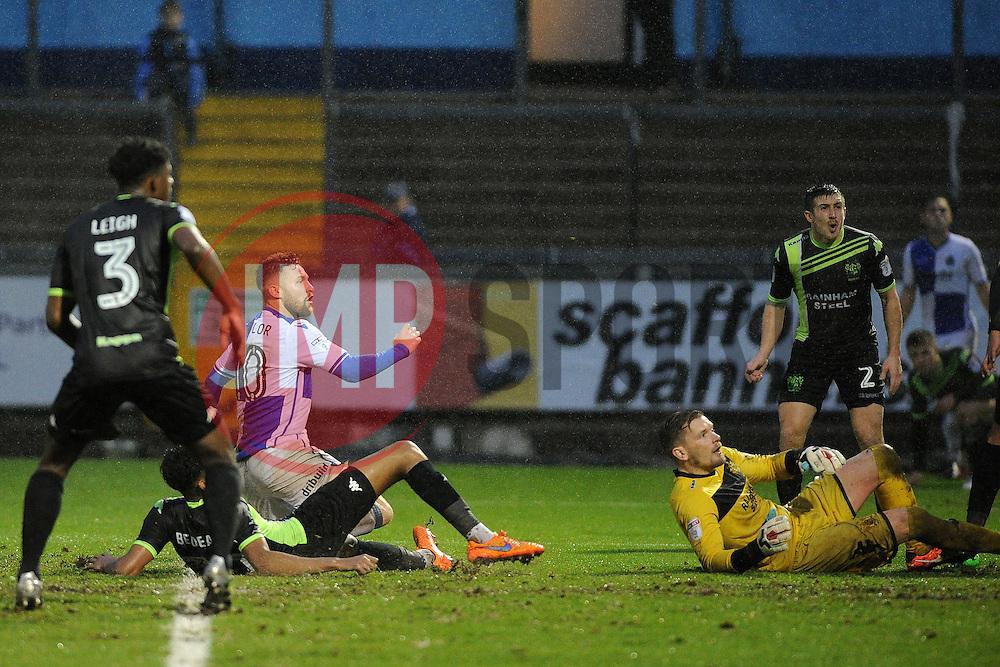 Matt Taylor of Bristol Rovers scores to make it 2-1 - Mandatory by-line: Neil Brookman/JMP - 10/12/2016 - FOOTBALL - Memorial Stadium - Bristol, England - Bristol Rovers v Bury - Sky Bet League One