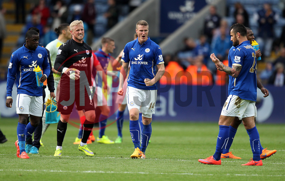Leicester City players celebrate winning against Southampton - Photo mandatory by-line: Robbie Stephenson/JMP - Mobile: 07966 386802 - 09/05/2015 - SPORT - Football - Leicester - King Power Stadium - Leicester City v Southampton - Barclays Premier League