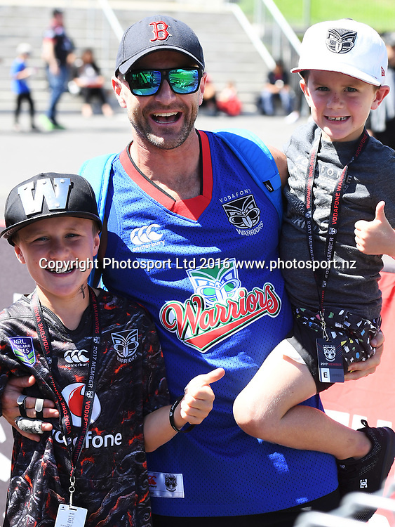 Fans and supporters.<br /> Vodafone Warriors v Newcastle Knights. NRL Rugby League. Mt Smart Stadium, Auckland, New Zealand. Sunday 5 March 2017 &copy; Copyright Photo: Andrew Cornaga / www.Photosport.nz