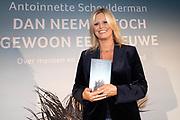 2018, Oktober 23. Soho House, Amsterdam. Boekpresentatie van Dan Neem Je Toch Gewoon Een Nieuwe, van Antoinette Scheulderman. Op de foto: Antoinette Scheulderman