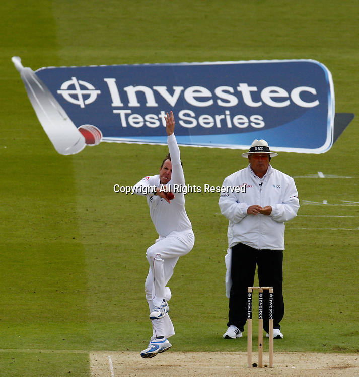 17.05.12 Lords,London, ENGLAND: <br /> Graeme Swann of England <br /> during the Investec First Test ( 1st Day of 5 )between England and West Indies