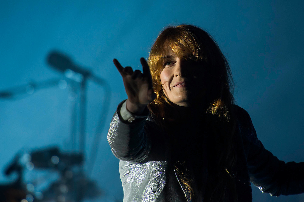 Florence and the Machine play the Pyramid Stage.  The 2015 Glastonbury Festival, Worthy Farm, Glastonbury.