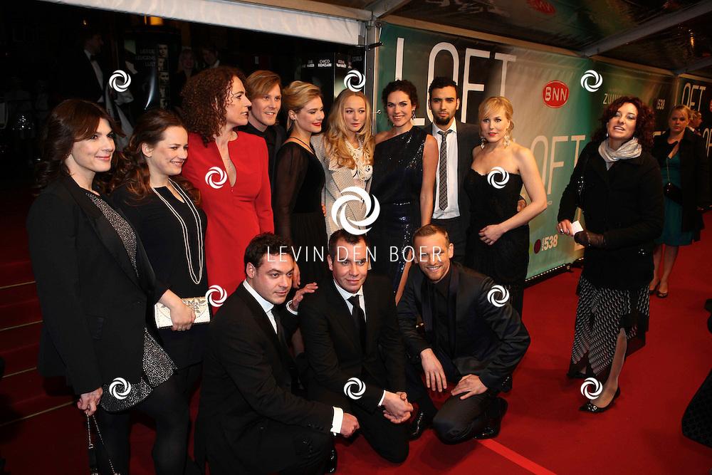 AMSTERDAM - De complete Cast op de premiere van de film Loft dinsdag in Amsterdam. De film is vanaf 16 december in de Nederlandse bioscopen te zien. FOTO LEVIN DEN BOER - PERSFOTO.NU