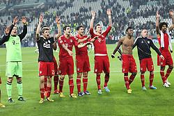 10.04.2013, Juventus Stadium, Turin, ITA, UEFA Champions League, Juventus Turin vs FC Bayern Muenchen, Viertelfinale, Rueckspiel, im Bild Freude ueber den Sieg, die Mannschaft des FC Bayern Muenchen, von links Manuel NEUER #1 (FC Bayern Muenchen), Thomas MUELLER #25 (FC Bayern Muenchen), Javi MARTINEZ #8 (FC Bayern Muenchen), Claudio PIZZARRO #14 (FC Bayern Muenchen), Mario MANDZUKIC #9 (FC Bayern Muenchen), David ALABA #27 (FC Bayern Muenchen), Franck RIBERY #7 (FC Bayern Muenchen) und DANTE #4 (FC Bayern Muenchen) // during the UEFA Champions League best of eight 2nd leg match between Juventus FC and FC Bayern Munich at the Juventus Stadium, Torino, Italy on 2013/04/10. EXPA Pictures © 2013, PhotoCredit: EXPA/ Eibner/ Kolbert..***** ATTENTION - OUT OF GER *****