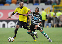 20100819: LISBON, PORTUGAL - Sporting Lisbon vs Brondby: UEFA Europa League 2010/2011 Play-Offs - First Leg. In picture: Ousman Jallow (Brondby) and Liedson (Sporting). PHOTO: Alexandre Pona/CITYFILES
