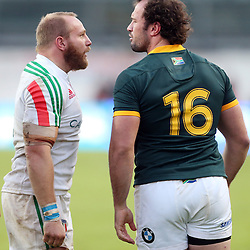 PADUA, ITALY - NOVEMBER 22: Leonardo Ghiraldini of Italy and Bismarck du Plessis of South Africa have words off the ball during the Castle Lager Outgoing Tour match between Italy and South African at Stadio Euganeo on November 22, 2014 in Padua, Italy. (Photo by Steve Haag/Gallo Images)