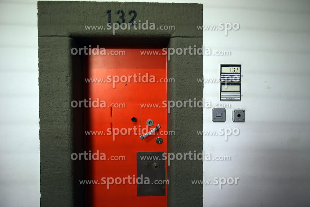 31.03.2014, Justizvollzugsanstalt, Landsberg am Lech, GER, Hinter den Mauern des Hoeness Gefaengnisses. In wenigen Wochen wird Uli Hoene&szlig; seine Haftstrafe in Landsberg am Lech antreten, im Bild Zellent&uuml;ren // Zellent&uuml;ren during a visit to the prison in Landsberg am Lech. In a few weeks Uli Hoeness will start his prison sentence in Landsberg am Lech, Germany on 2014/03/31. EXPA Pictures &copy; 2014, PhotoCredit: EXPA/ Sammy Minkoff<br /> <br /> *****ATTENTION - OUT of GER*****