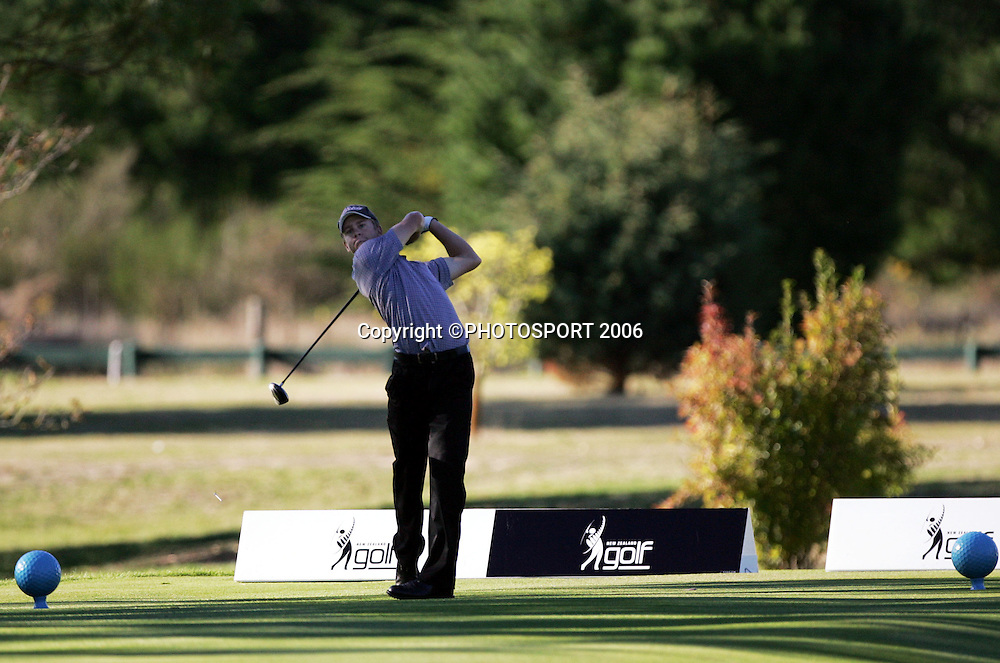 Australia's Steve Dartnall tees off on the 10th hole during his match against Hamilton's James Gill in the 2006 New Zealand Mens Golf Amateur Championship at Coringa Golf Course, Christchurch, on Saturday 8 April 2006. Gill won the match. Photo: Tim Hales/PHOTOSPORT