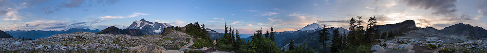 360 degree panorama of the North Cascades range from Artist Point in the Mount Baker-Snoqualmie National Forest, Washington State, USA