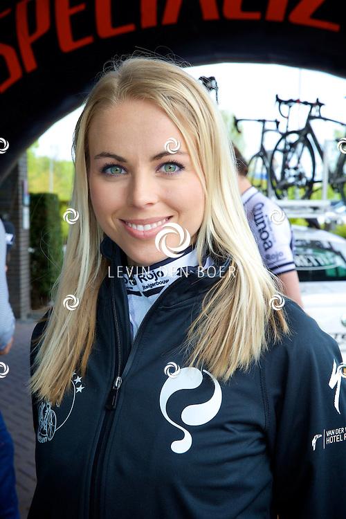 RIDDERKERK - Het Sterrenfietsteam 2014.  Sabine Vas Nunes. FOTO LEVIN DEN BOER - PERSFOTO.NU