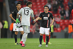 17.09.2015, Estadio San Mames, Bilbao, ESP, UEFA EL, Athletic Club vs FC Augsburg, Gruppe L, im Bild l-r: Iago Herrerin #13 (Athletic Bilbao) gibt ??a15?? die Hand, // during UEFA Europa League group L match between Athletic Club Bilbao and FC Augsburg at the Estadio San Mames in Bilbao, Spain on 2015/09/17. EXPA Pictures &copy; 2015, PhotoCredit: EXPA/ Eibner-Pressefoto/ Kolbert<br /> <br /> *****ATTENTION - OUT of GER*****