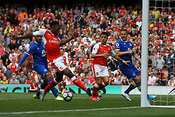 Alexis Sanchez of Arsenal and Danny Welbeck of Arsenal narrowly miss the ball as it crosses the goal mouth - Mandatory by-line: Jason Brown/JMP - 21/05/2017 - FOOTBALL - Emirates Stadium - London, England - Arsenal v Everton - Premier League