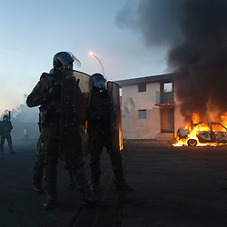 Exercice de R&eacute;tablissement de l&rsquo;Ordre en Situation Insurrectionnelle organis&eacute; au CNEFG (Centre National d'Instruction des Forces Gendarmerie) par le GBGM (Groupement Blind&eacute; de Gendarmerie Mobile) avec deux escadrons de gendarmerie mobile et un d&eacute;tachement du 126&deg; R&eacute;giment d'Infanterie et du 31&deg; R&eacute;giment du G&eacute;nie. <br /> Octobre 2010 / Saint Astier / Dordogne (24)<br /> Voir le reportage complet (154 photos)<br /> http://sandrachenugodefroy.photoshelter.com/gallery/2010-10-Exercice-Satorex-du-GBGM-au-CNEFG-Complet/G0000dOT3014Na_s/C0000yuz5WpdBLSQ
