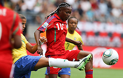 06-07-2011 VOETBAL: FIFA WOMENS WORLDCUP 2011 EQUATORIAL GUINEA - BRAZIL: FRANKFURT<br /> Anonman (EQG) gegen Fabiana (BRA) <br /> ***NETHERLANDS ONLY***<br /> ©2011-FRH- NPH/Karina Hessland