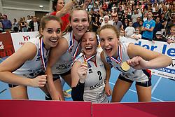 20190424 NED: Sliedrecht Sport - VC Sneek: Sliedrecht<br /> Sliedrecht Sport Nederlands Kampioen Volleybal Seizoen 2018 - 2019, Esther van Berkel (7), Sarah van Aalen (9), Brechtje Kraaijvanger (2), Ana Rekar (11) of Sliedrecht Sport <br /> ©2019-FotoHoogendoorn.nl / Pim Waslander