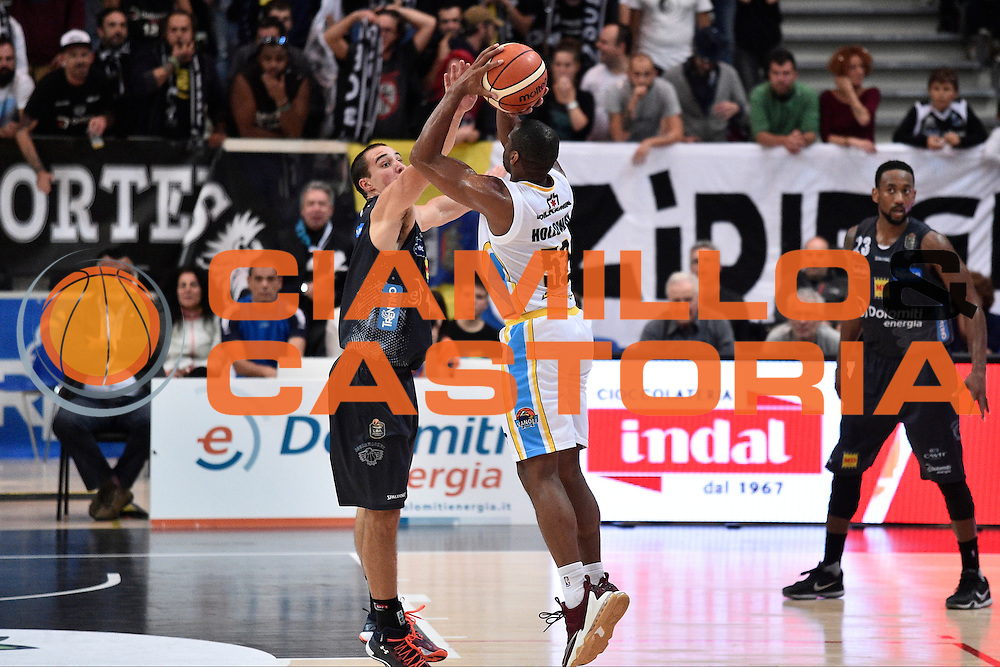 Holloway Tu<br /> Dolomiti Energia Trento - Vanoli Cremona<br /> Lega Basket Serie A 2016/2017<br /> Trento 09/10/2016<br /> Foto Ciamillo-Castoria