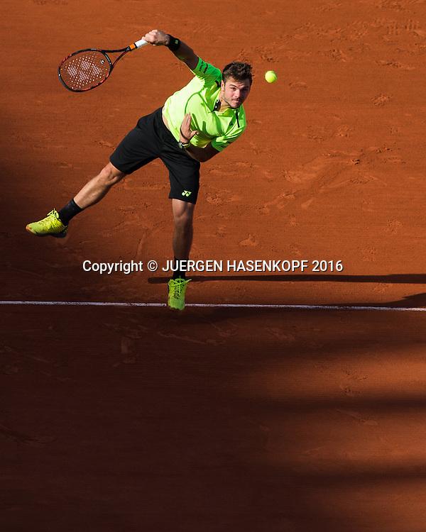 Stan Wawrinka  (SUI) Abendlicht, Schatten,von oben,<br /> <br /> <br /> Tennis - French Open 2016 - Grand Slam ITF / ATP / WTA -  Roland Garros - Paris -  - France  - 27 May 2016.