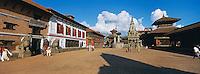 Nepal, Vallee de Kathmandu, Ville Newar de Bhaktapur, Durbar Square. // Nepal, Kathmandu valley, Newar city of Bhaktapur, Durbar Square.