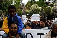 Roma, 20 Aprile 2013.Protesta dei movimenti per il diritto all'abitare davanti alla villa del costruttore e editore del quotidiano Il Messaggero, Francesco Gaetano Caltagirone, per denunciare la politica di sgomberi dell'imprenditore e del sindaco di Roma Gianni Alemanno e la campagna mediatica condotta dal suo giornale contro chi vive in emergenza abitativa e chiede alloggi e dignità....