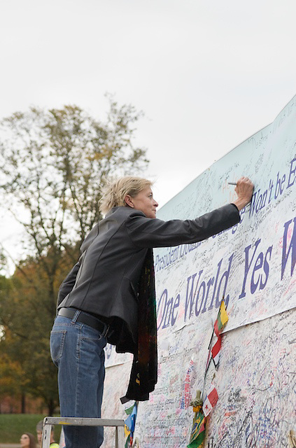 Visitors to the National Mall in Washington, DC write messages to President-Elect Barack Obama on Nov. 9, 2008.