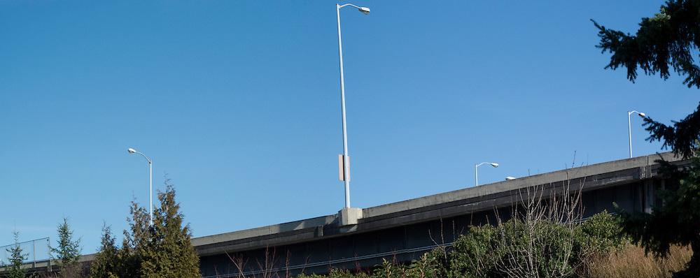 Parapet profile on freeway off-ramp I-5 southbound to Morrison Bridge.