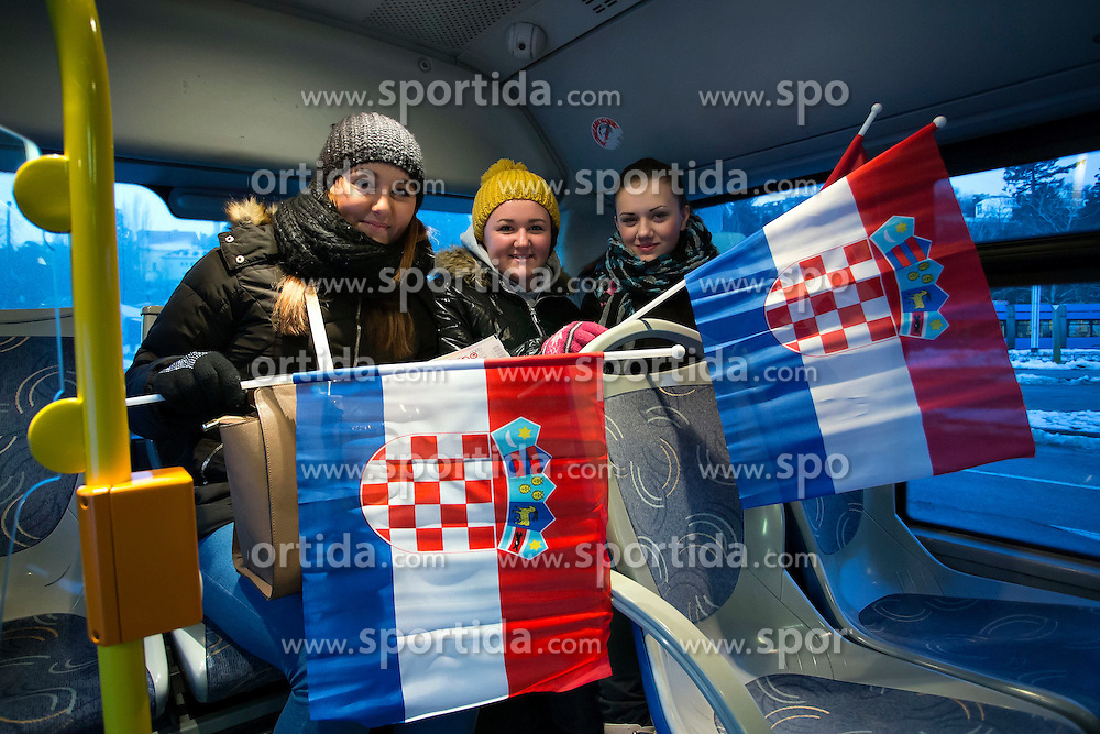 04.01.2015, Crveni Spust, Zagreb, CRO, FIS Weltcup Ski Alpin, Zagreb, Damen, Slalom, im Bild Anreise der Fans // during the Ladie's Slalom for the Snow Queen Trophy 2015 of the FIS Ski Alpine World Cup at the Crveni Spust in Zagreb, Croatia on 2015/01/04. EXPA Pictures © 2015, PhotoCredit: EXPA/ Pixsell/ Davor Puklavec<br /> <br /> *****ATTENTION - for AUT, SLO, SUI, SWE, ITA, FRA only*****