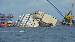 60484306  Isola del Giglio, Italy. Work begins today to right the stricken Costa Concordia vessel, which sank on January 12, 2012. If the operation is successful, it will then be towed away and scrapped. The procedure, known as parbuckling, has never been carried out on a vessel as large as Costa Concordia before, Italy, Monday September 16, 2013.<br /> Picture by imago / i-Images<br /> UK ONLY