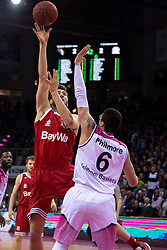 28.03.2016, Telekom Dome, Bonn, GER, Beko Basketball BL, Telekom Baskets Bonn vs FC Bayern Muenchen, 23. Runde, im Bild Maximilian Kleber (FC Bayern Muenchen #42) beim Korbleger gegen Isaiah Philmore (Telekom Baskets Bonn #6) // during the Beko Basketball Bundes league 23th round match between Telekom Baskets Bonn and FC Bayern Munich at the Telekom Dome in Bonn, Germany on 2016/03/28. EXPA Pictures © 2016, PhotoCredit: EXPA/ Eibner-Pressefoto/ Schüler<br /> <br /> *****ATTENTION - OUT of GER*****