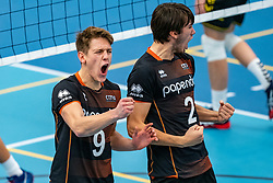26-10-2019 NED: Talentteam Papendal - Draisma Dynamo, Ede<br /> Round 4 of Eredivisie volleyball - Leon Luini #9 of Talent Team, Mathijs Apine #2 of Talent Team
