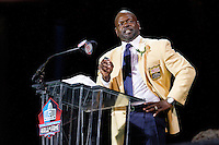 07 August 2010: Former Dallas Cowboys running back Emmitt Smith speaks at his enshrinement ceremony at the Pro Football Hall of Fame in Canton, Ohio.