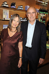 PETER & JULIET KINDERSLEY at the Natural Beauty Honours 2008 hosted by Neal's Yard Remedies, 124b King's Road, London SW3 on 4th September 2008.<br /> <br /> NON EXCLUSIVE - WORLD RIGHTS