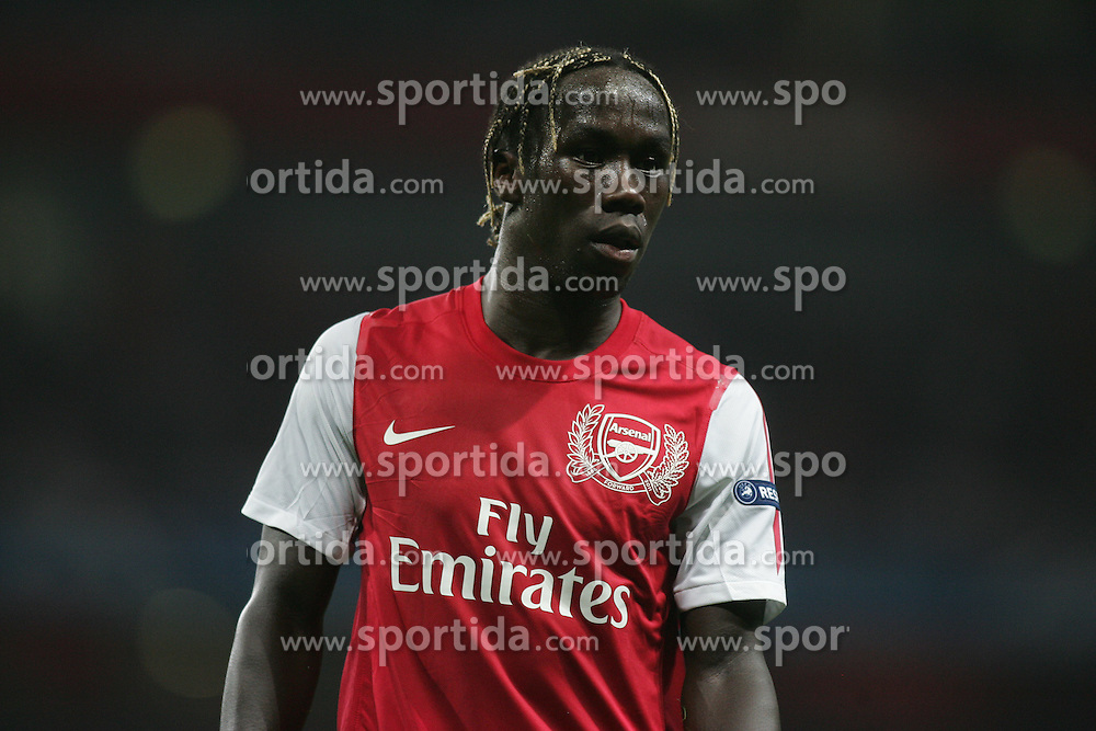 28.09.2011, Emirates Stadium, London, ENG, UEFA CL, Gruppe F, FC Arsenal (ENG) vs Olympiakos Piräus (GRE), im Bild Arsenal's Bacary Sagna // during the UEFA Champions League game, group F, ENG, UEFA CL, FC Arsenal (ENG) vs Olympiakos Piräus (GRE) at Emirates Stadium in London, United Kingdom on 2011/09/28. EXPA Pictures © 2011, PhotoCredit: EXPA/ Newspix/ Michal Zemanek +++++ ATTENTION - FOR AUSTRIA/(AUT), SLOVENIA/(SLO), SERBIA/(SRB), CROATIA/(CRO), SWISS/(SUI) and SWEDEN/(SWE) CLIENT ONLY +++++