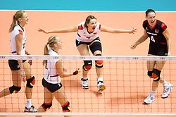29.09.2011, Hala Pionir, Belgrad, SRB, Europameisterschaft Volleyball Frauen, Viertelfinale, Deutschland (GER) vs. Tschechien (CZE, im Bild Jubel Margareta Kozuch (#14 GER / Sopot POL), Kathleen Weiss (#2 GER), Angelina Grün / Gruen (#7 GER / Aachen GER), Kerstin Tzscherlich (#4 GER / Dresden GER) // during the 2011 CEV European Championship, Quarterfinal at Hala Pionir, Belgrade, SRB, Germany vs Czech Republic, 2011-09-29. EXPA Pictures © 2011, PhotoCredit: EXPA/ nph/  Kurth       ****** out of GER / CRO  / BEL ******