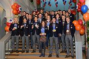 Officiele Huldiging van de Olympische medaillewinnaars Sochi 2014 / Official Ceremony of the Sochi 2014 Olympic medalists.<br /> <br /> Op de foto:  De medaille-winnaars van de Olympische Spelen gaan op de foto met premier Mark Rutte (M) en minister Edith Schippers (M, achter)