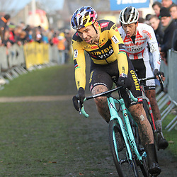 27-12-2019: Wielrennen: DVV veldrijden: Loenhout <br />Wout van Aert