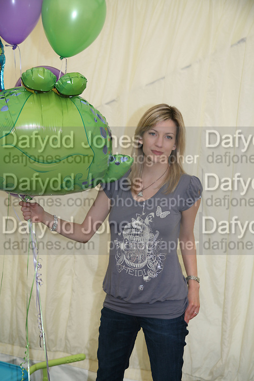 Claire Goose, KIM WILDE TO HOSTS RHS ÔA MAGICAL GARDEN PARTY' -HAMPTON COURT PALACE FLOWER SHOW, 2 JULY 2007. DO NOT ARCHIVE-© Copyright Photograph by Dafydd Jones. 248 Clapham Rd. London SW9 0PZ. Tel 0207 820 0771. www.dafjones.com.