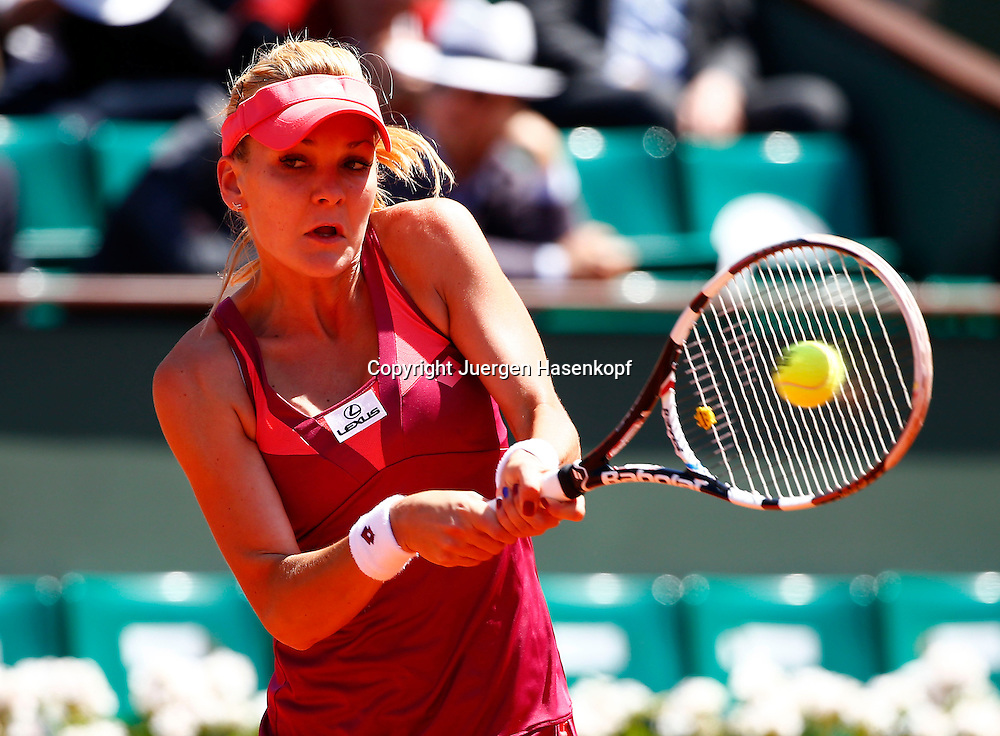French Open 2013, Roland Garros,Paris,ITF Grand Slam Tennis Tournament,Agnieszka Radwanska (POL),<br /> Aktion,Einzelbild,Halbkoerper,Querformat,