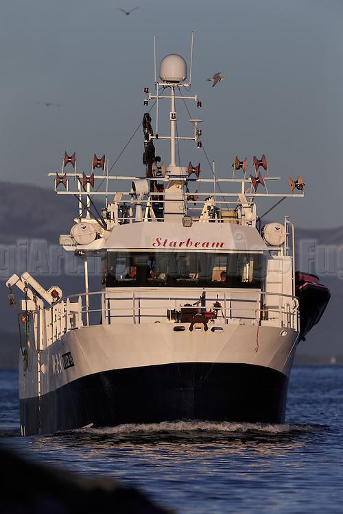 The fishingboat Starbeam Callsign: LLAQ, Vessel ID: M 0212H, Year Built: 1999   Fiskebåten Starbeam.