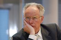 09 APR 2003, BERLIN/GERMANY:<br /> Prof. Dr. Peter Glotz, Kommunikationswissenschaftler Universitaet St. Gallen, waehrend einer Diskussionsveranstaltung, Friedrich-Ebert-Stiftung<br /> IMAGE: 20030409-03-008