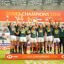 Team of South Africa celebrates the victory after the Final men match between South Africa and England at the HSBC Paris Sevens, stage of the Rugby Sevens World Series at Stade Jean Bouin on June 10, 2018 in Paris, France. (Photo by Sandra Ruhaut/Icon Sport)