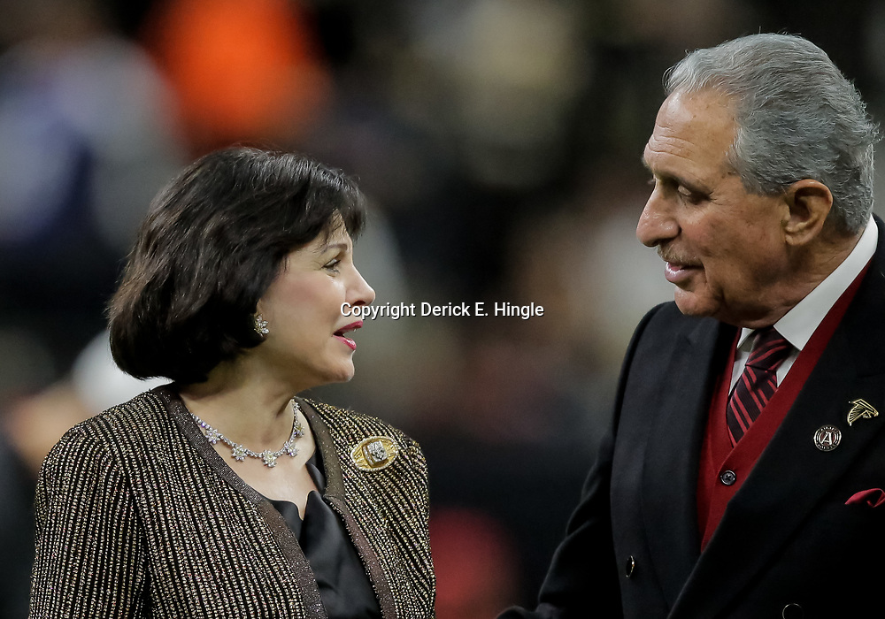 Nov 22, 2018; New Orleans, LA, USA; New Orleans Saints owner Gayle Benson and Atlanta Falcons owner Arthur Blank prior to kickoff at the Mercedes-Benz Superdome. Mandatory Credit: Derick E. Hingle-USA TODAY Sports