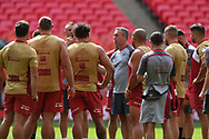 Steve McNamara (Coach) of Catalan Dragons with his players during the Catalan Dragons Captains Run ahead of the Ladbrokes Challenge Cup Final at Wembley Stadium, London<br /> Picture by Stephen Gaunt/Focus Images Ltd +447904 833202<br /> 24/08/2018