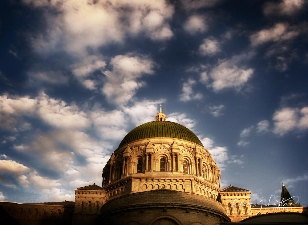 Lisa Johnston | lisa@aeternus.com | Tiwtter: @aeternusphoto  Cathedral Basilica exterior.