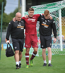 Derby County's Jeff Hendrick comes off with an injury.  - Photo mandatory by-line: Alex James/JMP - Tel: Mobile: 07966 386802 24/08/2013 - SPORT - FOOTBALL - Huish Park - Yeovil -  Yeovil Town V Derby County - Sky Bet Championship