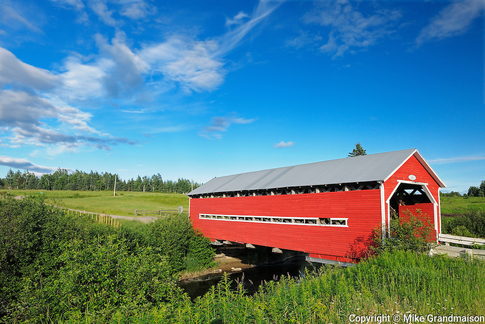 Covered bridge<br /> Ste. Jeanne d'Arc<br /> Quebec<br /> Canada